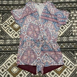 Heartloom paisley floral romper size small